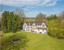 6 bedroom country house  for sale