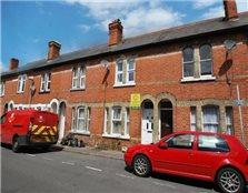 4 bedroom semi-detached house to rent Reading
