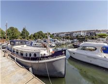 2 bed houseboat for sale
