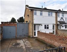 3 bedroom end of terrace house to rent