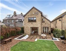 4 bed detached house for sale Saltaire