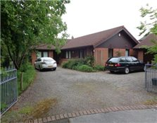 4 bedroom detached bungalow to rent