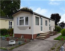 2 bed detached house for sale