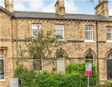 3 bed terraced house for sale Saltaire