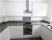 4 bed town house to rent Newington