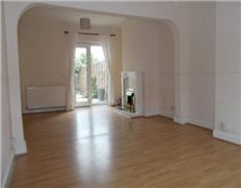 3 bed terraced house to rent Swingate