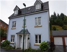 4 bed detached house to rent Newtown