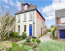 5 bed link-detached house for sale