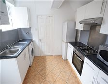 4 bed terraced house to rent Reading