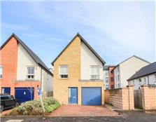 4 bed detached house for sale Oatlands