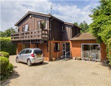4 bed detached house for sale Westra
