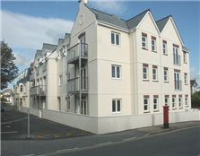2 bed flat to rent Trenance