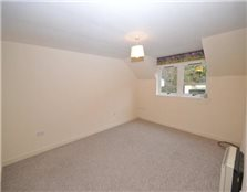 2 bedroom flat to rent Haugh