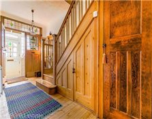 3 bed semi-detached house for sale South Woodford