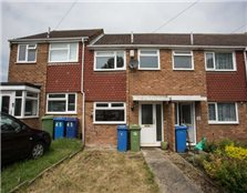 2 bed terraced house to rent Sittingbourne