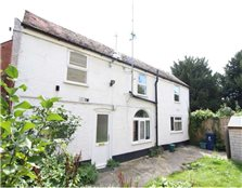 3 bedroom detached house to rent Walton Manor