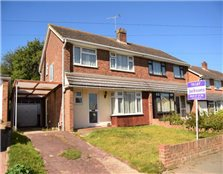 3 bed semi-detached house to rent Hempstead