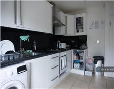 6 bedroom terraced house to rent Newtown