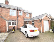 4 bed semi-detached house to rent Eastwood
