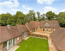 6 bed barn conversion to rent Boughton Green