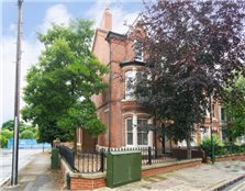 8 bed end terrace house to rent Forest Fields