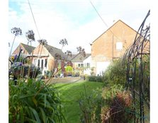 4 bedroom semi-detached house for sale Church Common