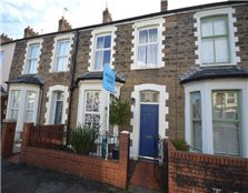 3 bed terraced house for sale Riverside