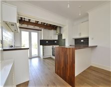 3 bed semi-detached house to rent Risinghurst