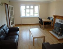 4 bedroom terraced house to rent Lenton Abbey