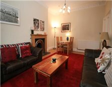 3 bedroom ground floor flat to rent Broughton