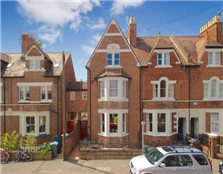 4 bedroom town house to rent Walton Manor