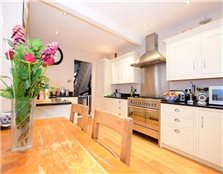 4 bed semi-detached house for sale South Woodford