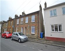 3 bedroom semi-detached house to rent Sittingbourne