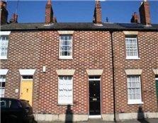 2 bedroom terraced house to rent Walton Manor