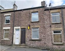 3 bedroom terraced house to rent Higher Buxton