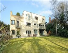 6 bedroom detached house to rent Dean Court