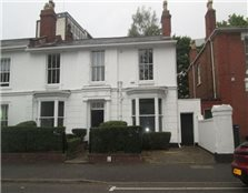6 bed semi-detached house to rent Lee Bank