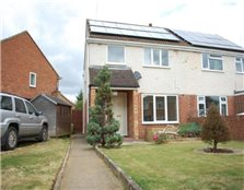 3 bedroom semi-detached house to rent Garden City