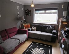 3 bedroom end of terrace house to rent Cyntwell