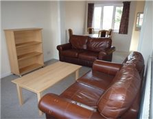 3 bedroom flat to rent Chesterton