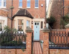 4 bedroom end of terrace house to rent Walton Manor