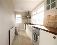 3 bedroom flat to rent Spital Tongues