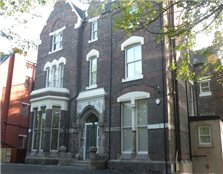 2 bed flat to rent St Michael's Hamlet