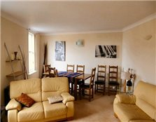 4 bed flat to rent Greenside