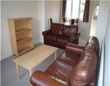 3 bed flat to rent Chesterton