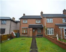 3 bed property for sale Wood End