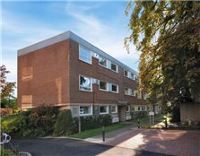 2 bed flat to rent Newnham Croft