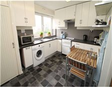 3 bedroom flat to rent Leeds