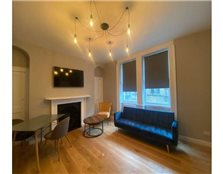 3 bedroom flat to rent Kingsmead