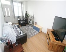 2 bed flat to rent Wolverham